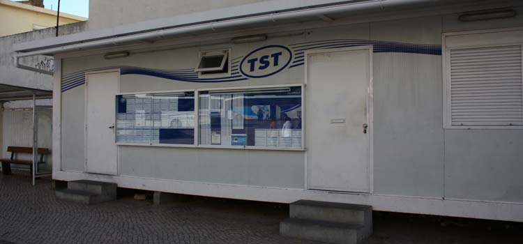 Sesimbra bus station and ticket office